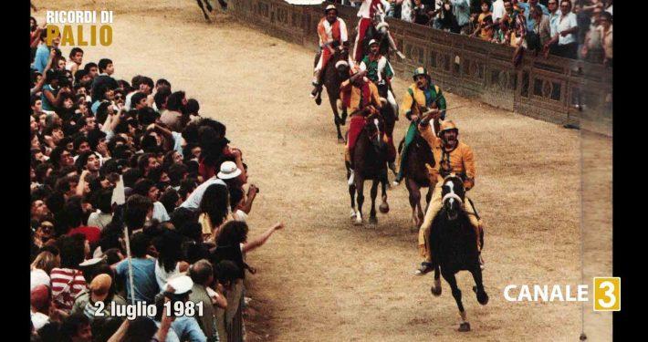 Silvano Vigni all'arrivo del Palio del 2 luglio 1981 vinto con la Nobile Contrada dell'Aquila