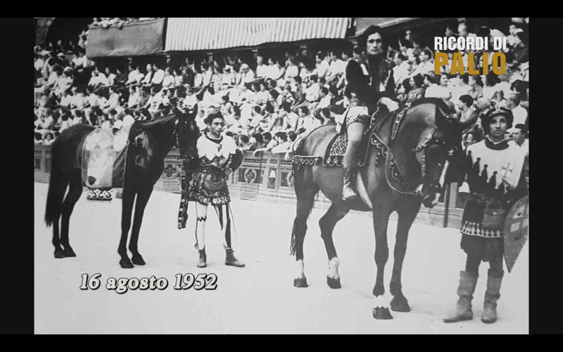Il Corteo Storico del Palio del 16 agosto 1952 con Remo Antonetti detto Rompighiaccio e Niduzza nella Nobile Contrada dell'Oca