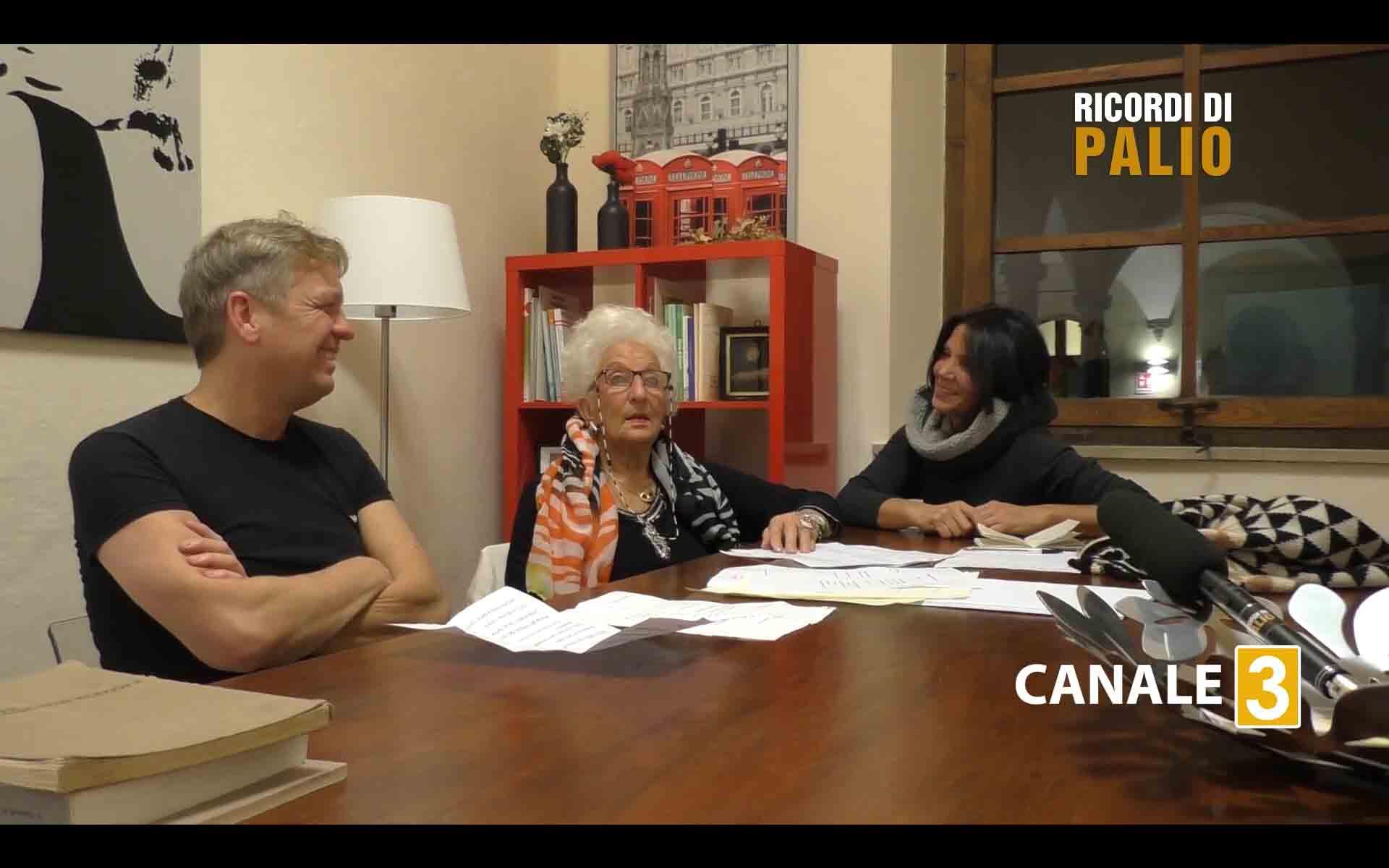 marisa bertini durante la registrazione della puntata di Ricordi di Palio insieme a Cecilia Rigacci e a Massimiliano Senesi
