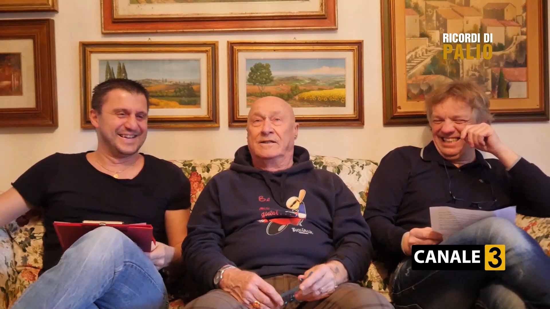 """Luciano Chiti con Michele Fiorini a sinistra e Massimiliano Senesi a destra nel corso della registrazione della Puntata di """"Ricordi di Palio"""""""